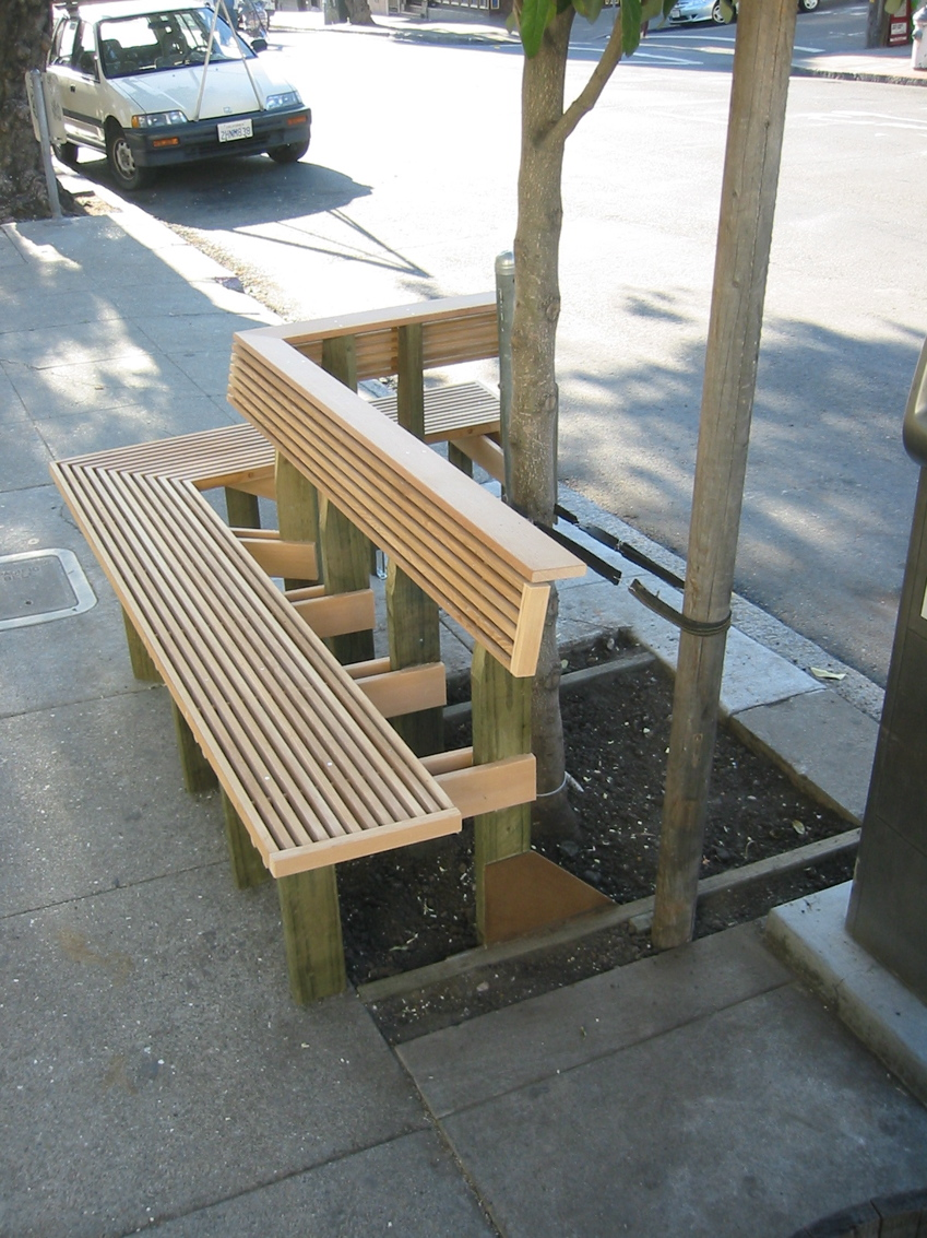 Other urban benches in town have been removed, simply to avoid giving  sleeping place to homeless persons. Everybody loses.